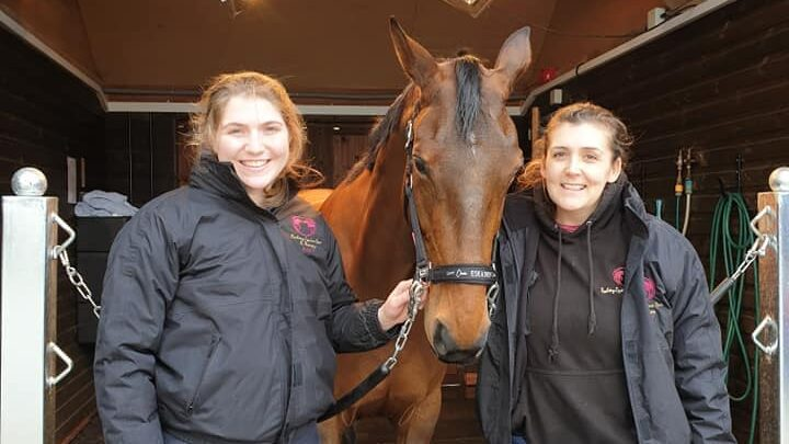 grace wallace  at rookery equine